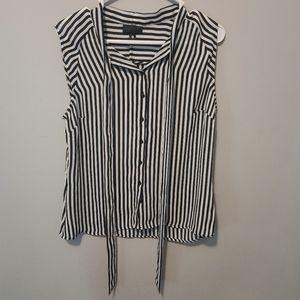 Worthington Blouse size medium, black and white